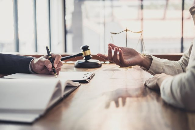 Client consulting to a family lawyer in Sydney
